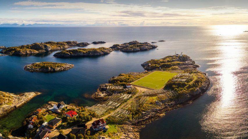 「ヘニングスヴァール村スタジアム」ノルウェー, ロフォーテン諸島