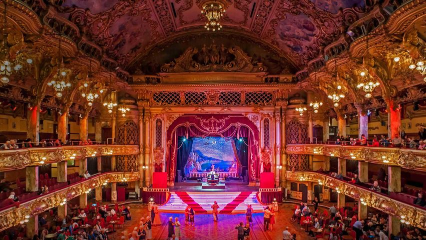 布莱克浦塔内的舞厅,英国兰开夏郡