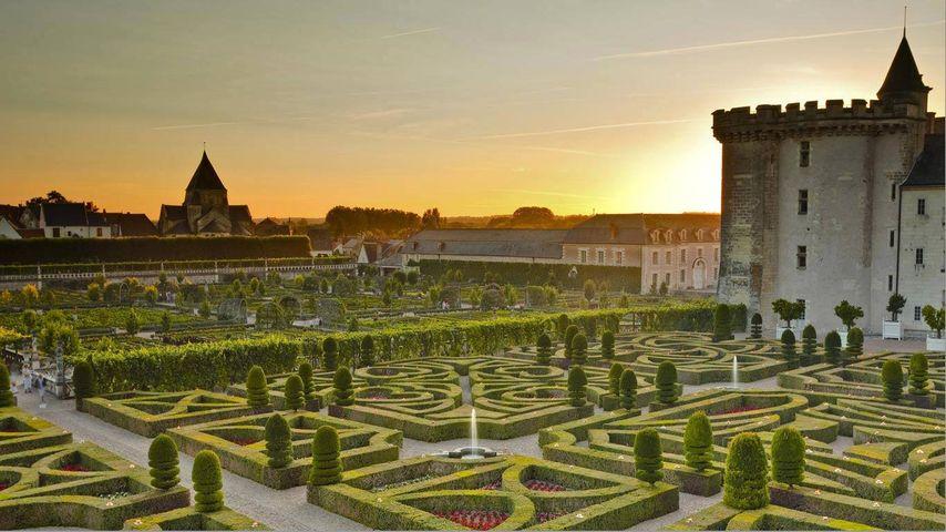 Le château de Villandry et ses jardins au coucher du soleil, Indre-et-Loire, Région Centre