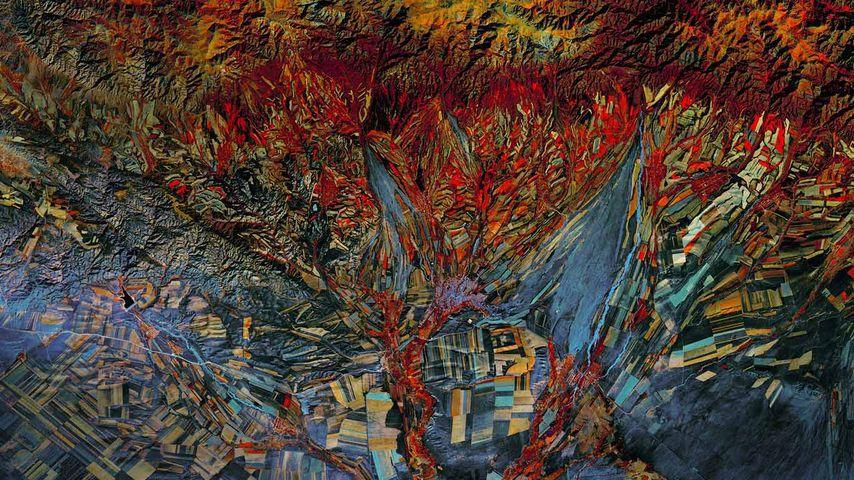 陆地卫星8号的红外照片, 摄于哈萨克斯坦的油田