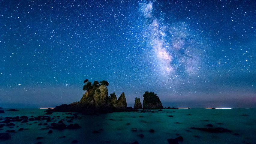 「天の川と蓑掛岩」静岡県, 伊豆半島