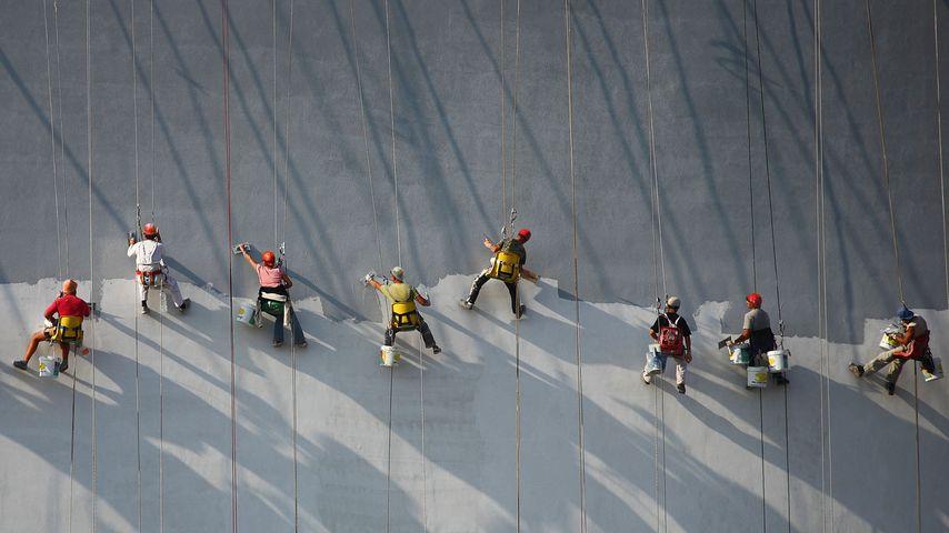 「塗装職人たち」