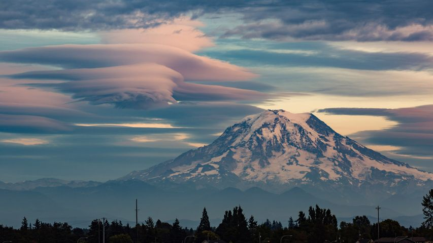 Lenticular clouds over Mount Rainier, Washington