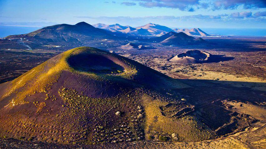 Paisaje volcánico en el parque nacional de Timanfaya, Lanzarote, Islas Canarias
