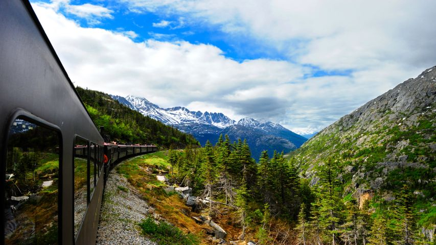 Panoramic Train Views PREMIUM 4K Themes for Windows