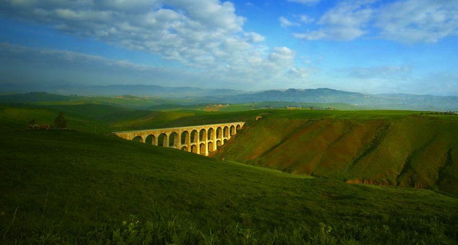 「シチリアの鉄道橋」イタリア, シチリア州