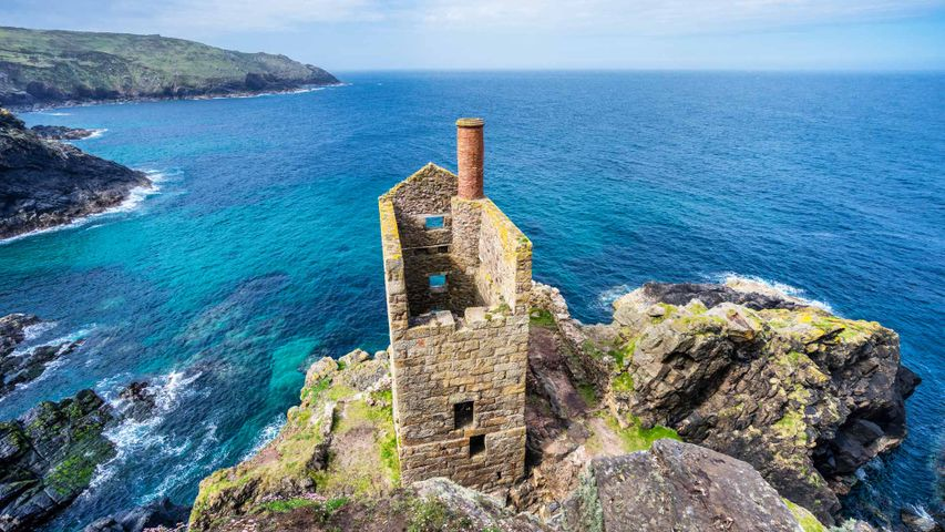 Crowns engine house in Botallack, Cornwall