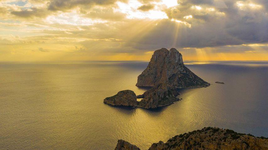 Islote de Es Vedrà al atardecer, Ibiza, Baleares