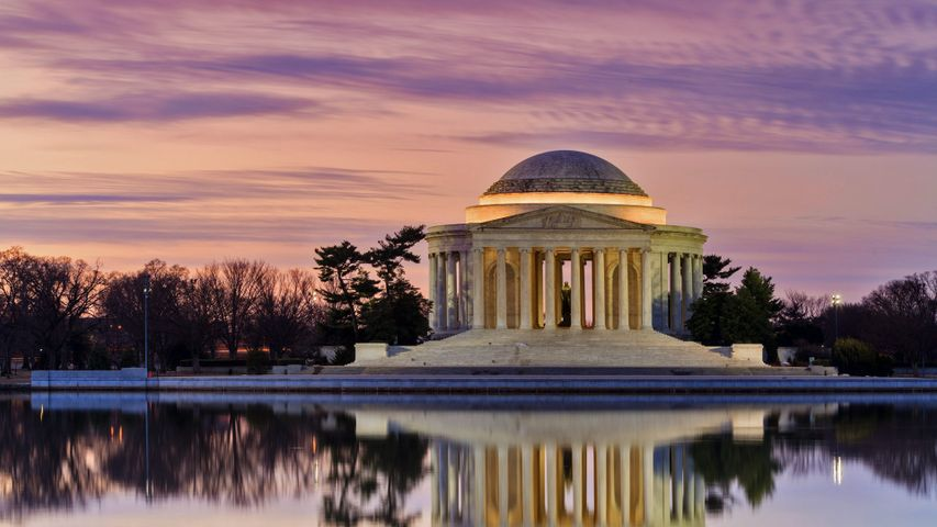 Thomas Jefferson Memorial reflected in the Tidal Basin, Washington, DC