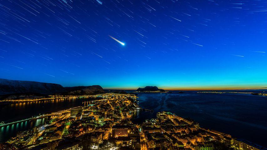 Sternenhimmel über Ålesund, Norwegen