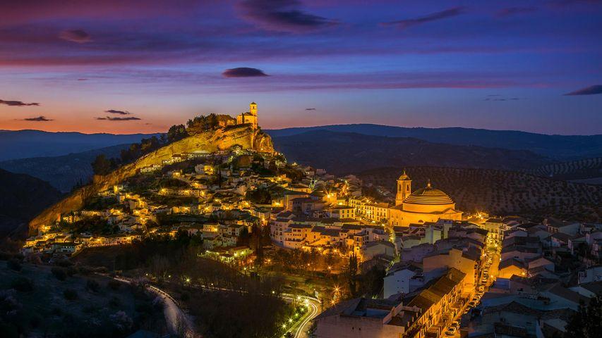 Anochecer en el pueblo de Montefrío, Granada