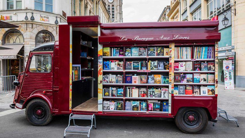 Librairie mobile à Douai, Picardie, France