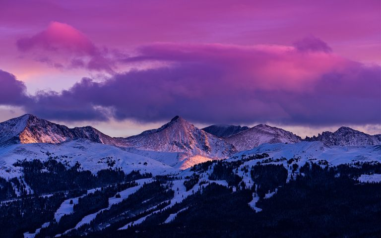 Snowy Mountains Windows 10 Theme