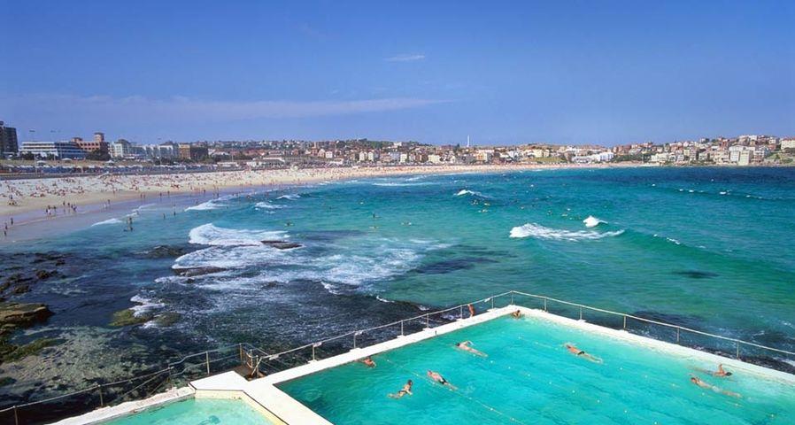 Australia, NSW, Sydney, swimming pools at Bondi Beach