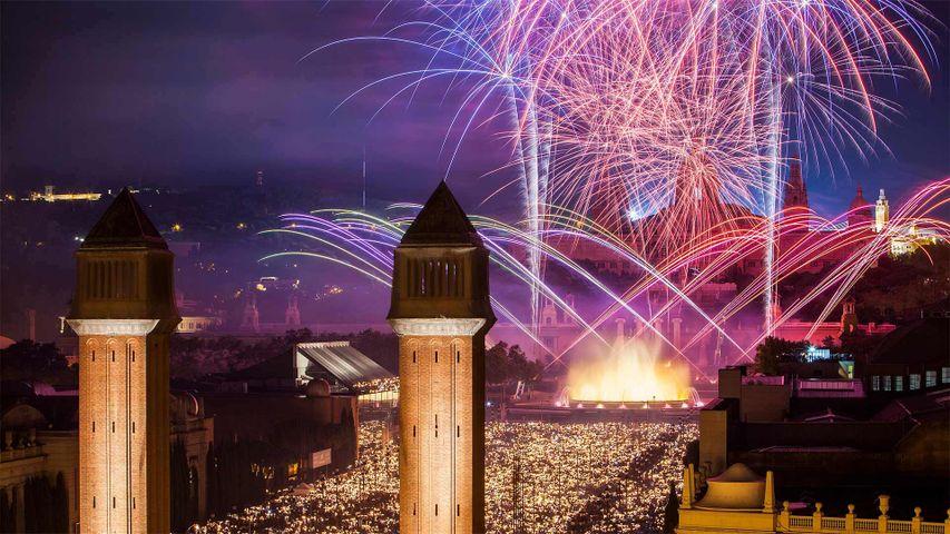 Feux d'artifices pendant la fête de La Merce à Barcelone, Espagne