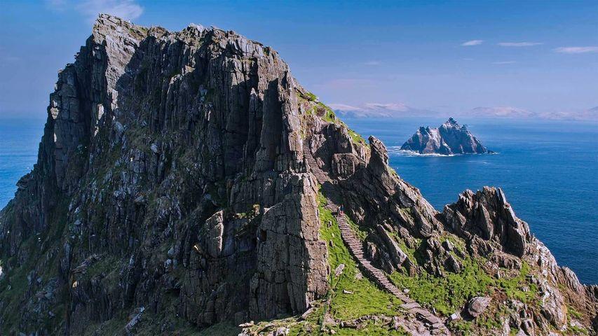 斯凯利格群岛(由斯凯利格·迈克尔岛和小斯凯利格岛组成),爱尔兰