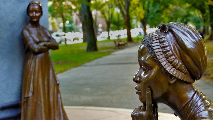 Statues de Phillis Wheatley et d'Abigail Adams, Mémorial commémoratif des Femmes de Boston, Massachussetts