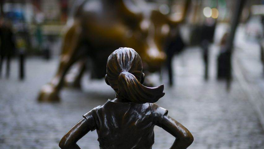 「恐れを知らぬ少女」米国ニューヨーク州, ウォール街