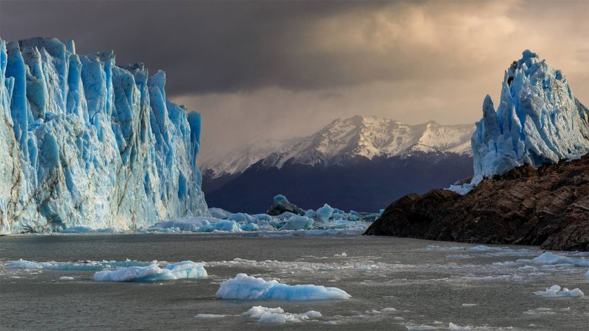 冰川国家公园中的佩里托莫雷诺冰川,阿根廷