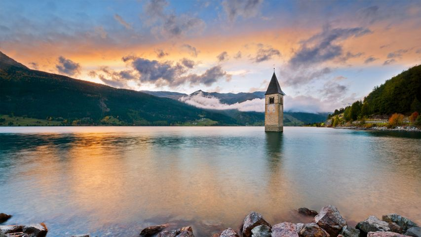 「レッシェン湖の鐘塔」イタリア, 南チロル