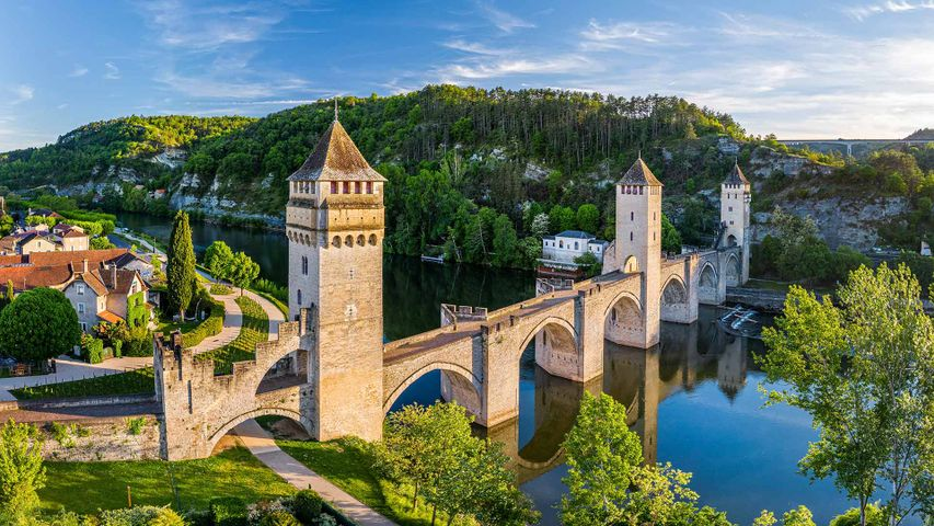 Pont Valentré traversant le Lot à Cahors, Vallée du Lot, France