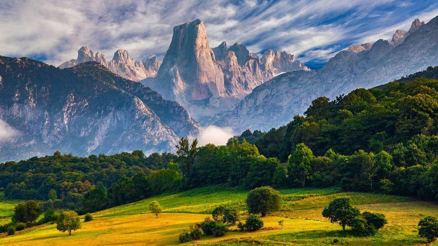 欧罗巴山国家公园中的Naranjo de Bulnes峰,西班牙阿斯图里亚斯