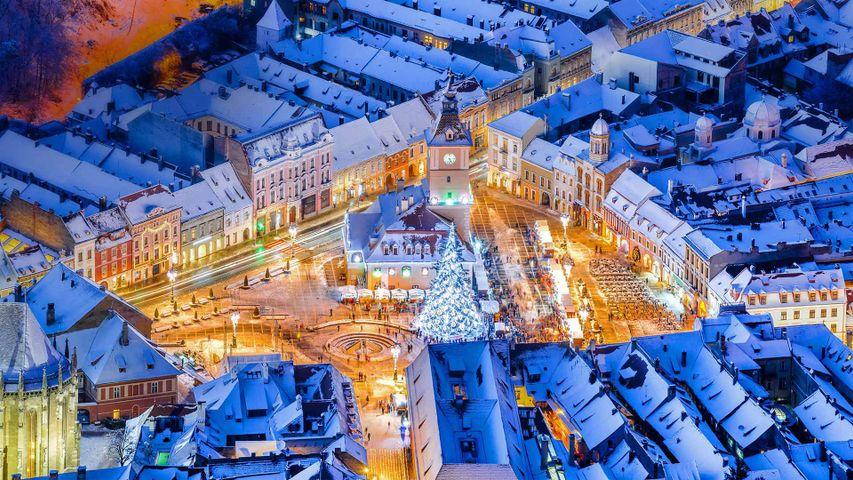 Christmas market in the main square of Braşov, Romania