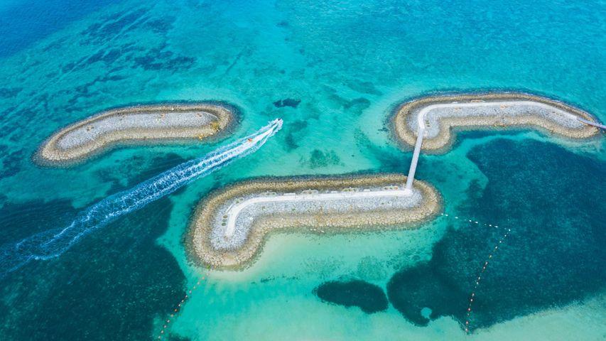 「サンマリーナビーチの桟橋」沖縄