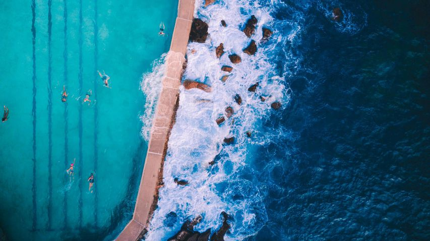 Bird's-eye view of Bronte Baths ocean pool outside Sydney, Australia