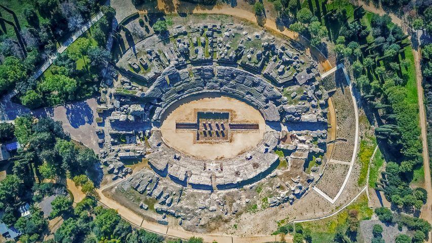 古罗马斗兽场,西班牙桑蒂蓬塞镇的罗马古城遗迹
