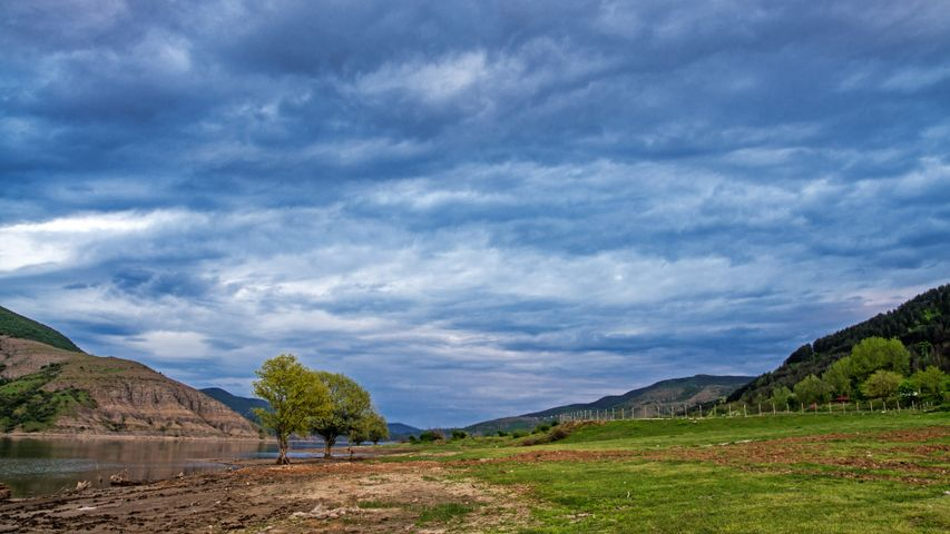 sky outdoor grass cloud landscape nature tree mountain