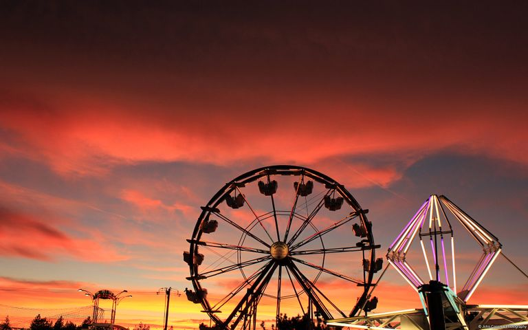 Dramatic Skies 2 - Ferris wheel, The Eiffel Tower and Sunsets