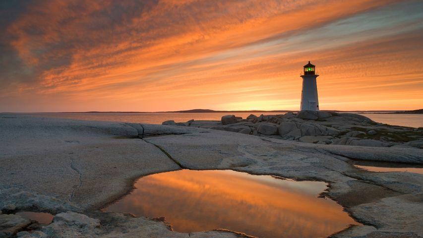 「ペギーズ・ポイント灯台」カナダ, ノバスコシア州